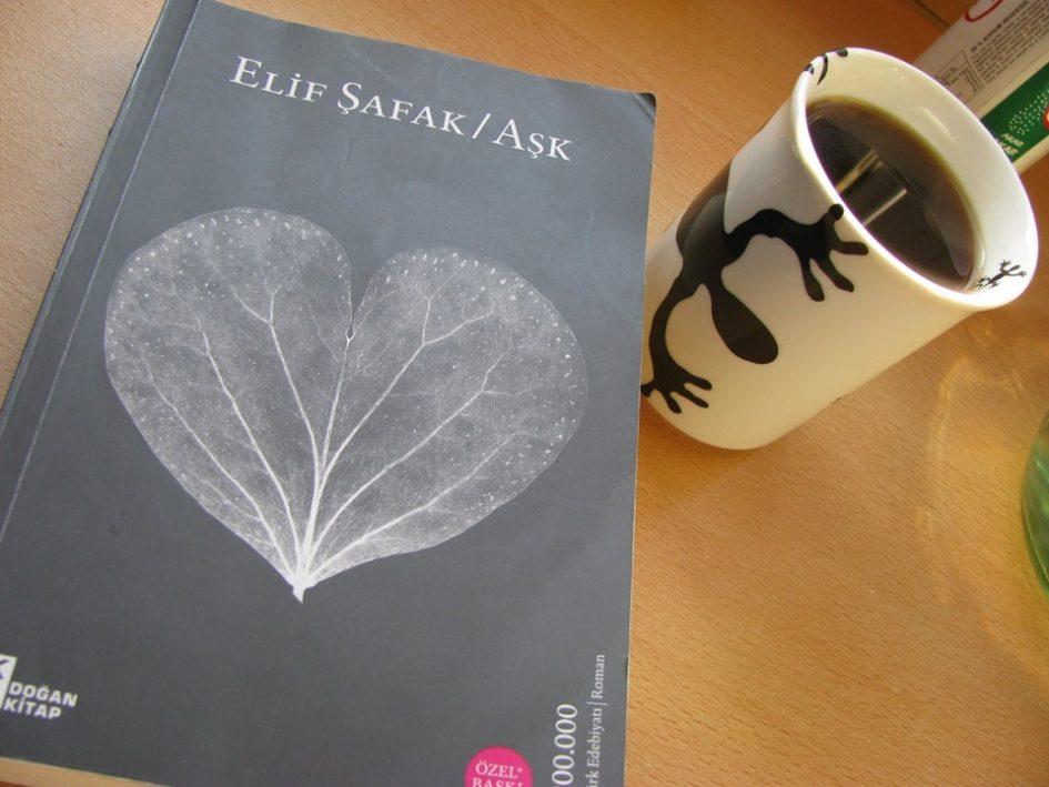 Aşk, Elif Şafak