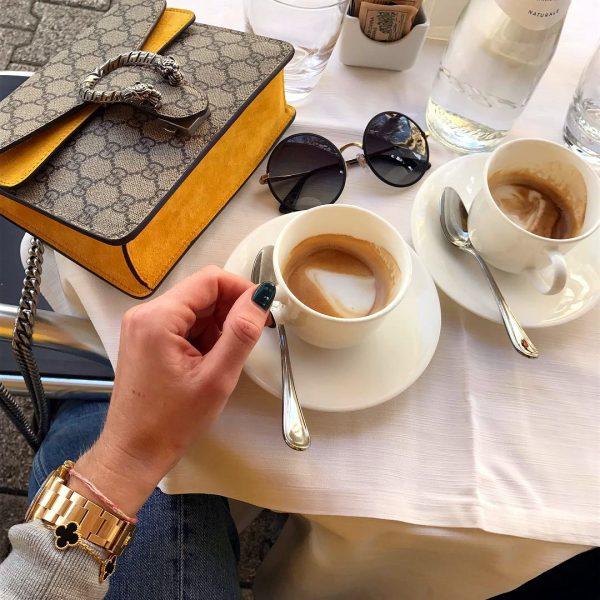 Kahve Yalnızlık İster