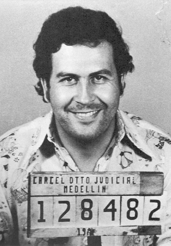 Kötü Adamlar, Pablo Escobar